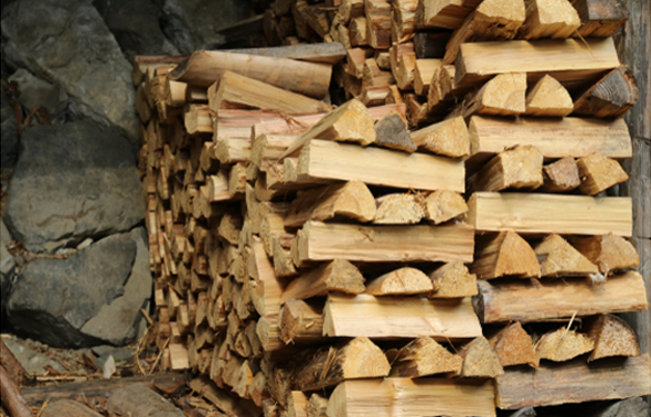 Buy Firewood in Peoria IL - Firewood for restaurants, Christmas firewood, BBQ firewood, debarked firewood, USDA certified firewood, seasoned firewood in Peoria IL